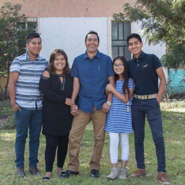 Jimenez-family_1-compressed